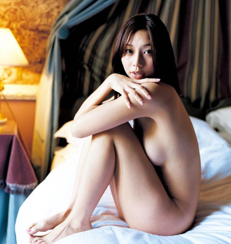 【小泉麻耶エロ画像】ちょっとケバいけどギャル系好きならオカズになりそうなグラビアアイドル 06