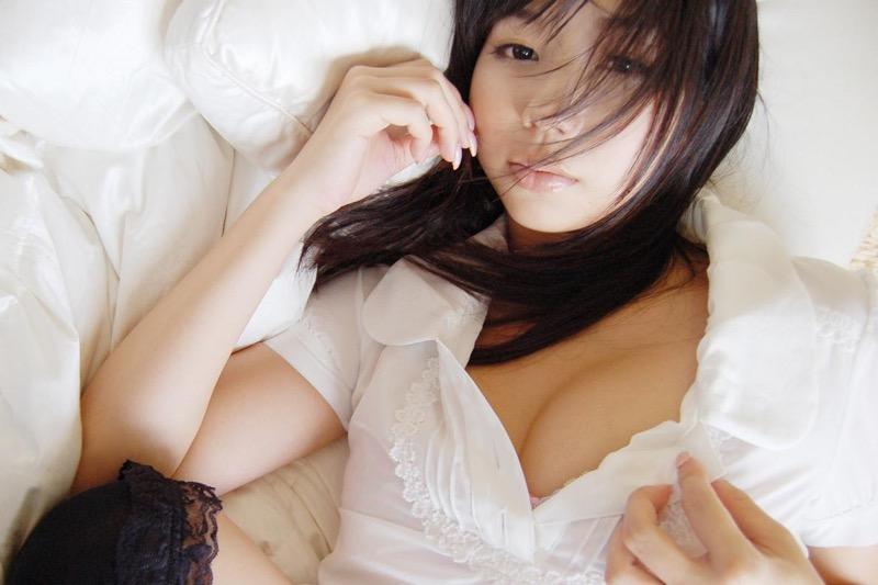 【小泉麻耶エロ画像】ちょっとケバいけどギャル系好きならオカズになりそうなグラビアアイドル 74
