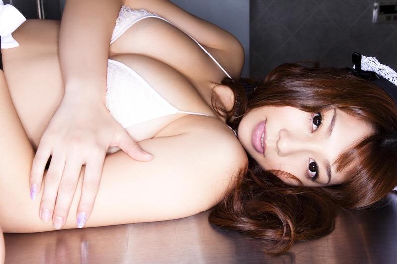 【小泉麻耶エロ画像】ちょっとケバいけどギャル系好きならオカズになりそうなグラビアアイドル 77