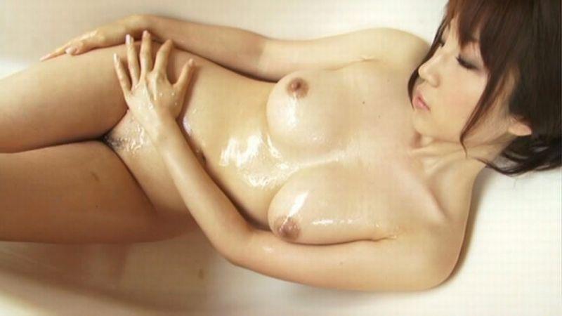 【庄司ゆうこエロ画像】AV寸前なアダルトイメージビデオで陰毛まで曝け出すFカップ巨乳グラドル