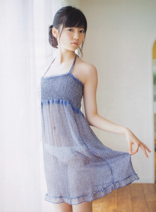 【島崎遥香グラビア画像】さらさらロングのボブヘアが似合ってエクボも可愛い元AKB48アイドル 05