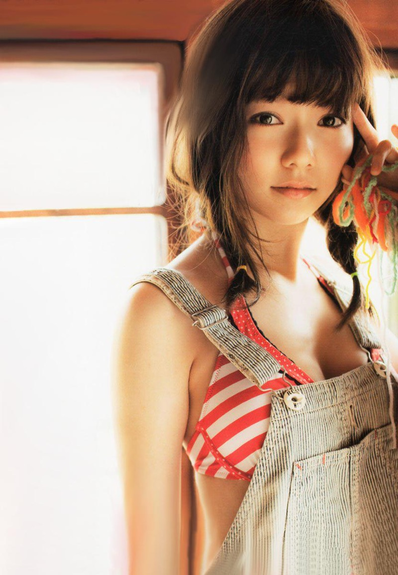 【島崎遥香グラビア画像】さらさらロングのボブヘアが似合ってエクボも可愛い元AKB48アイドル 37