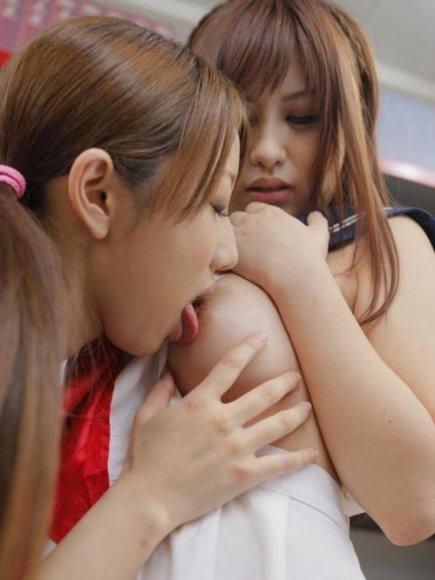 【レズエロ画像】女性同士で愛し合って唇や性器を重ね合う百合カップルのセックス画像 05