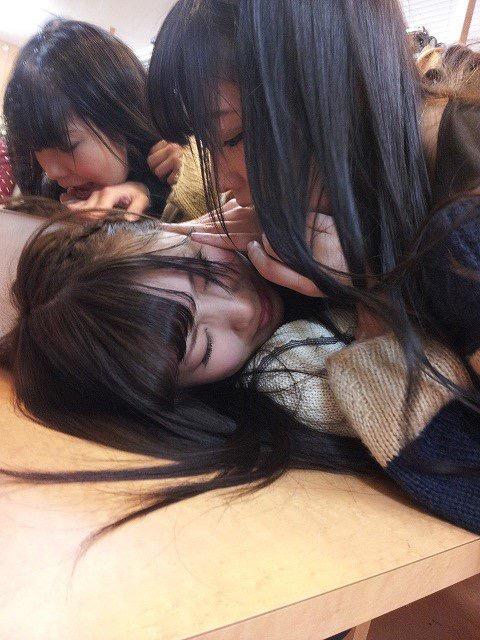 【レズエロ画像】女性同士で愛し合って唇や性器を重ね合う百合カップルのセックス画像 12
