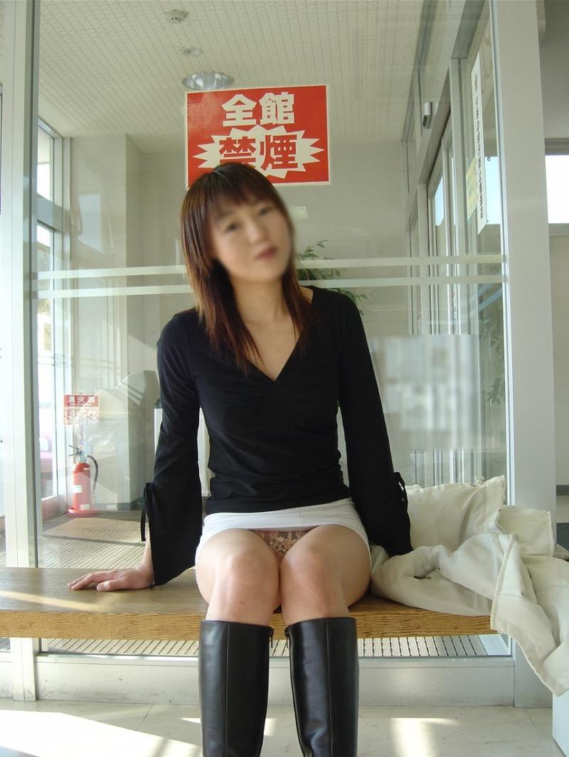 【パンストエロ画像】美脚や美尻にピッタリフィットしているパンティストッキングのフェチ画像 27