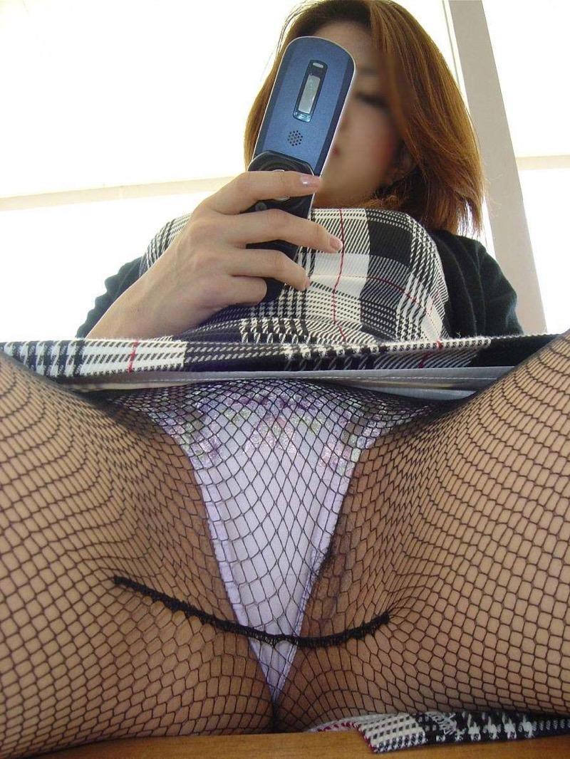 【パンストエロ画像】美脚や美尻にピッタリフィットしているパンティストッキングのフェチ画像 29