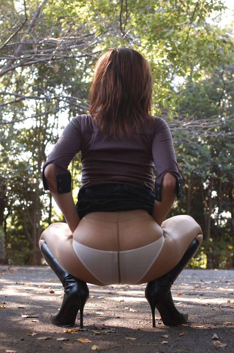 【パンストエロ画像】美脚や美尻にピッタリフィットしているパンティストッキングのフェチ画像 42