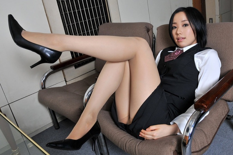 【パンストエロ画像】美脚や美尻にピッタリフィットしているパンティストッキングのフェチ画像 52