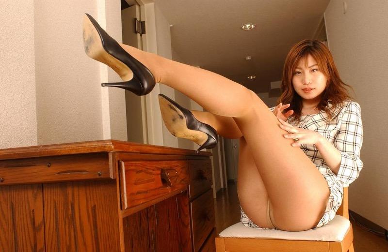 【パンストエロ画像】美脚や美尻にピッタリフィットしているパンティストッキングのフェチ画像 55