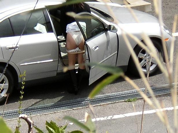 【着替え盗撮エロ画像】着替え女子があまりに無防備だったんでこっそり隠し撮りしたったwwww 38