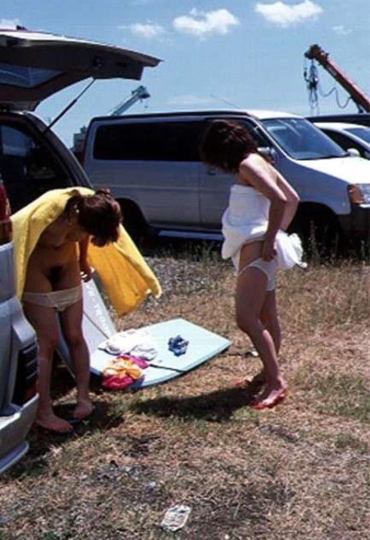 【着替え盗撮エロ画像】着替え女子があまりに無防備だったんでこっそり隠し撮りしたったwwww 60