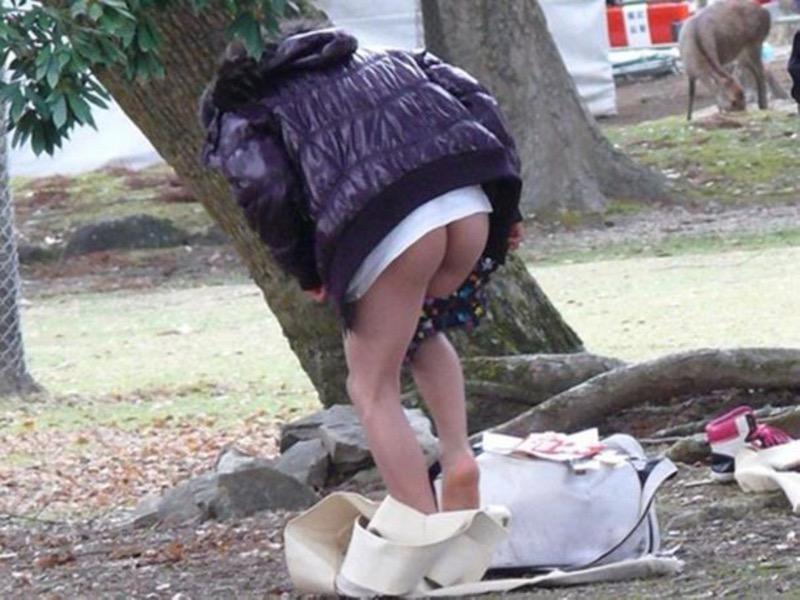 【着替え盗撮エロ画像】着替え女子があまりに無防備だったんでこっそり隠し撮りしたったwwww 63