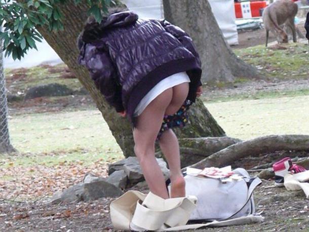 【着替え盗撮エロ画像】着替え女子があまりに無防備だったんでこっそり隠し撮りしたったwwww 70