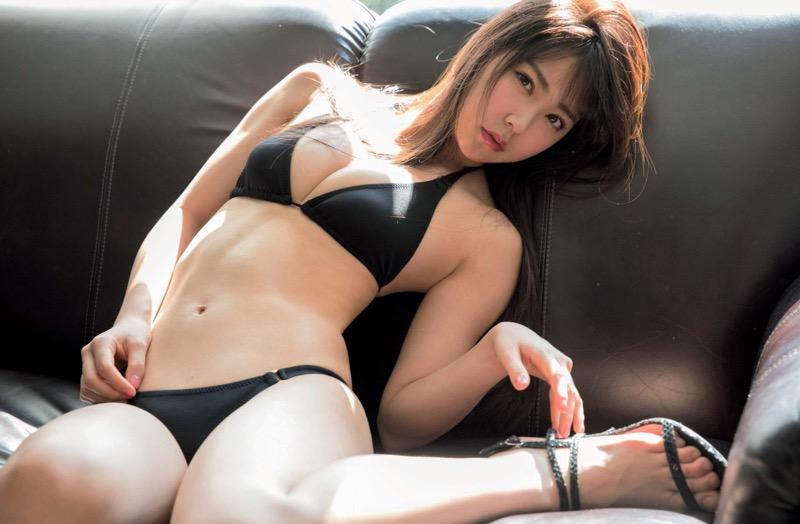 【白間美瑠グラビア画像】グラドルにも負けない綺麗でエッチな美乳ボディのNMB48アイドル!