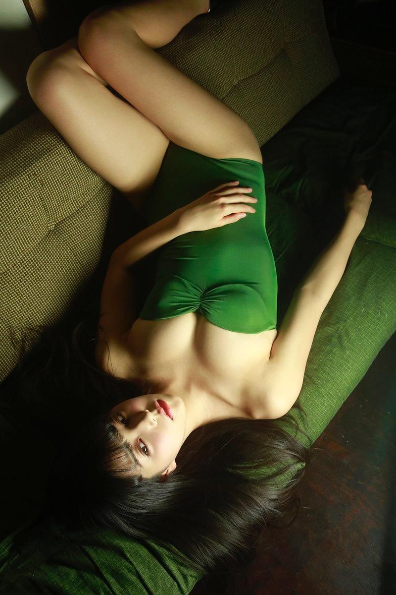 【白間美瑠グラビア画像】グラドルにも負けない綺麗でエッチな美乳ボディのNMB48アイドル! 08