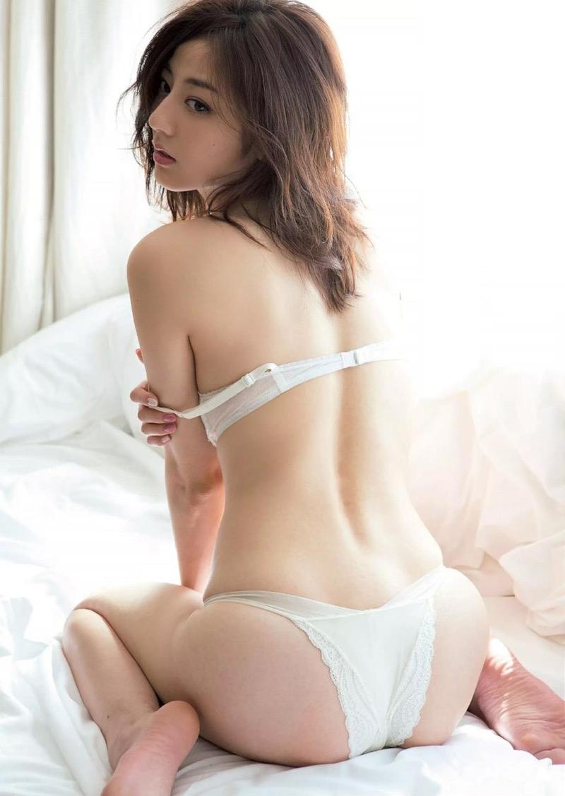 【杉本有美グラビア画像】色白オッパイの谷間がエロくてチンコを突っ込みたくなるモデル美女! 63