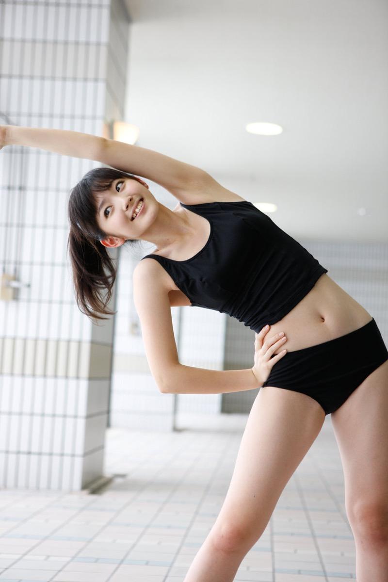 【鈴木愛理グラビア画像】小学生の時からアイドルやってる腰がめっちゃ細い女の子がエロい! 50
