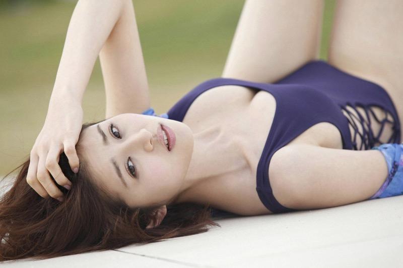 【鈴木ちなみビキニ画像】美人ファッションモデルのグラドルにも負けないセクシーなエロ水着姿