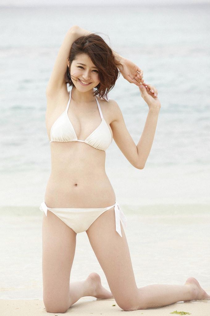 【鈴木ちなみビキニ画像】美人ファッションモデルのグラドルにも負けないセクシーなエロ水着姿 12