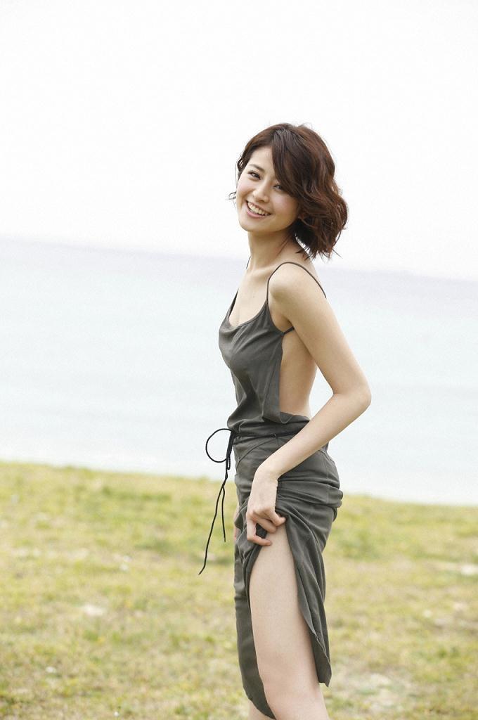 【鈴木ちなみビキニ画像】美人ファッションモデルのグラドルにも負けないセクシーなエロ水着姿 14