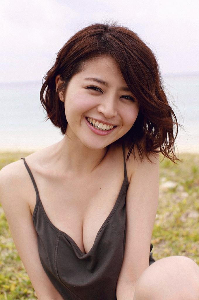 【鈴木ちなみビキニ画像】美人ファッションモデルのグラドルにも負けないセクシーなエロ水着姿 20