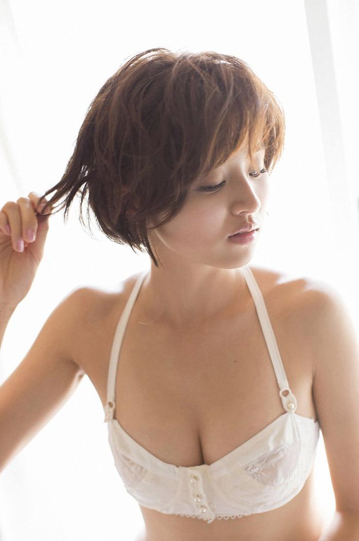 【鈴木ちなみビキニ画像】美人ファッションモデルのグラドルにも負けないセクシーなエロ水着姿 23