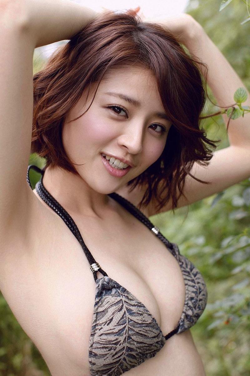 【鈴木ちなみビキニ画像】美人ファッションモデルのグラドルにも負けないセクシーなエロ水着姿 29