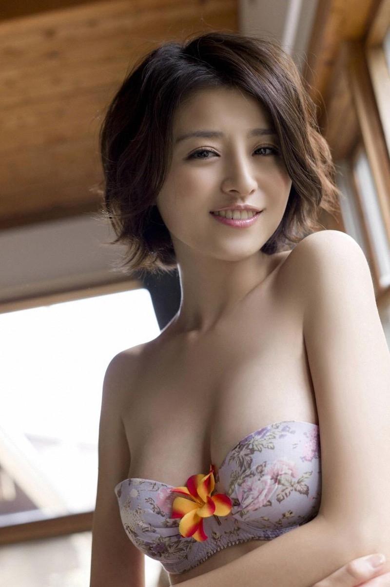 【鈴木ちなみビキニ画像】美人ファッションモデルのグラドルにも負けないセクシーなエロ水着姿 33