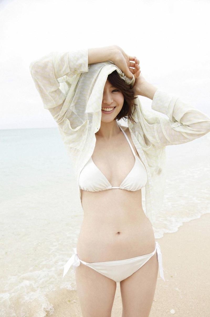 【鈴木ちなみビキニ画像】美人ファッションモデルのグラドルにも負けないセクシーなエロ水着姿 35