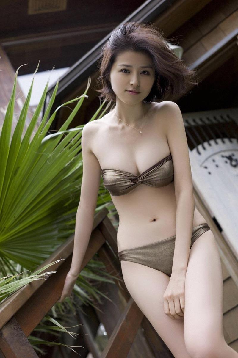 【鈴木ちなみビキニ画像】美人ファッションモデルのグラドルにも負けないセクシーなエロ水着姿 37
