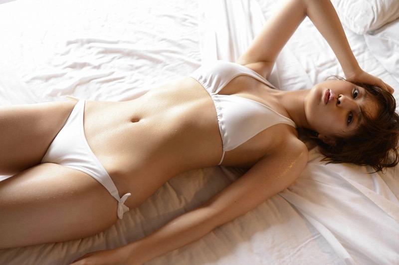 【鈴木ちなみビキニ画像】美人ファッションモデルのグラドルにも負けないセクシーなエロ水着姿 79