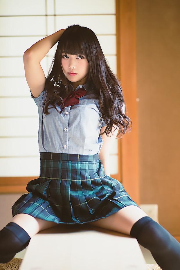 【真島なおみエロ画像】ドール系美少女と呼ばれるスタイル抜群な9頭身の高身長グラビアアイドル 05