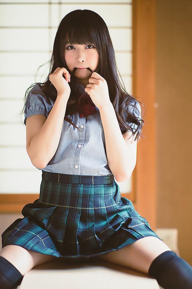 【真島なおみエロ画像】ドール系美少女と呼ばれるスタイル抜群な9頭身の高身長グラビアアイドル 06
