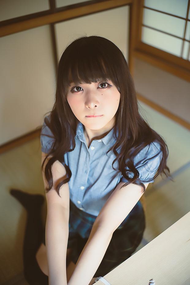 【真島なおみエロ画像】ドール系美少女と呼ばれるスタイル抜群な9頭身の高身長グラビアアイドル 07