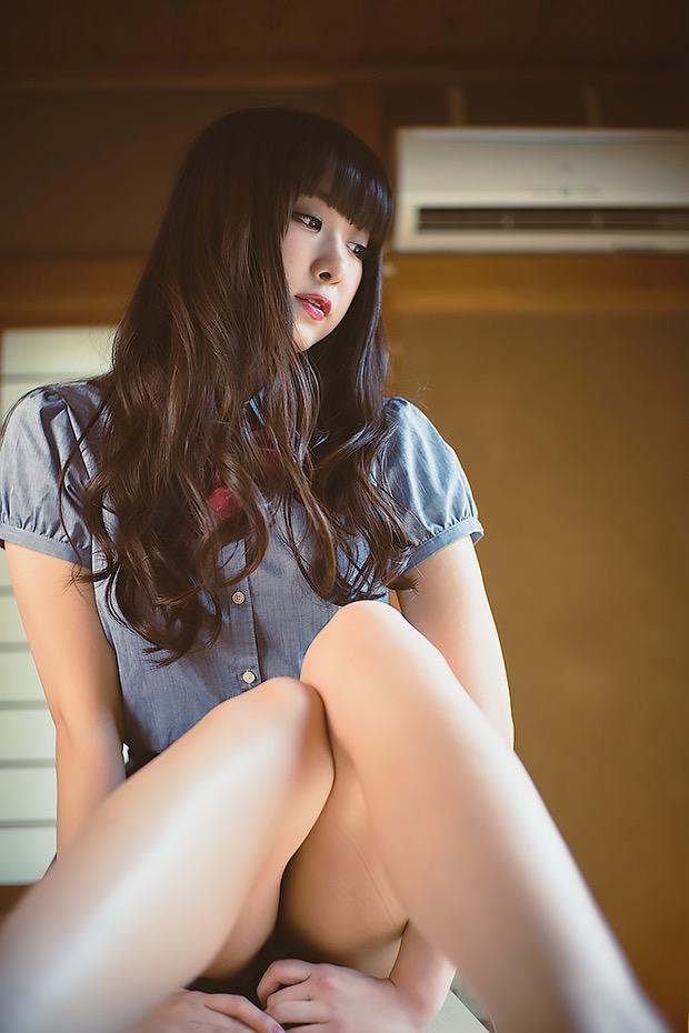 【真島なおみエロ画像】ドール系美少女と呼ばれるスタイル抜群な9頭身の高身長グラビアアイドル 08