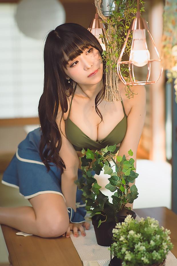 【真島なおみエロ画像】ドール系美少女と呼ばれるスタイル抜群な9頭身の高身長グラビアアイドル 20