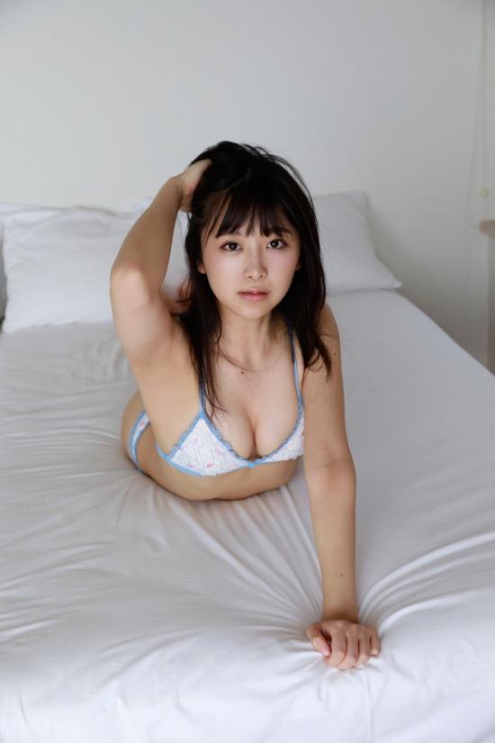 【真島なおみエロ画像】ドール系美少女と呼ばれるスタイル抜群な9頭身の高身長グラビアアイドル 29
