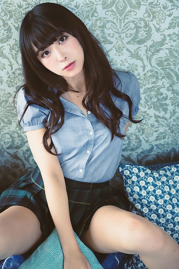 【真島なおみエロ画像】ドール系美少女と呼ばれるスタイル抜群な9頭身の高身長グラビアアイドル 34
