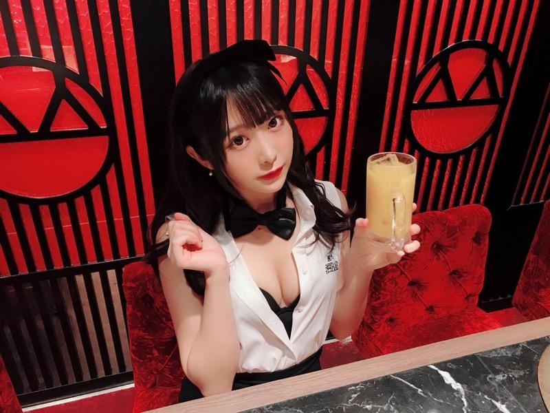 【真島なおみエロ画像】ドール系美少女と呼ばれるスタイル抜群な9頭身の高身長グラビアアイドル 78