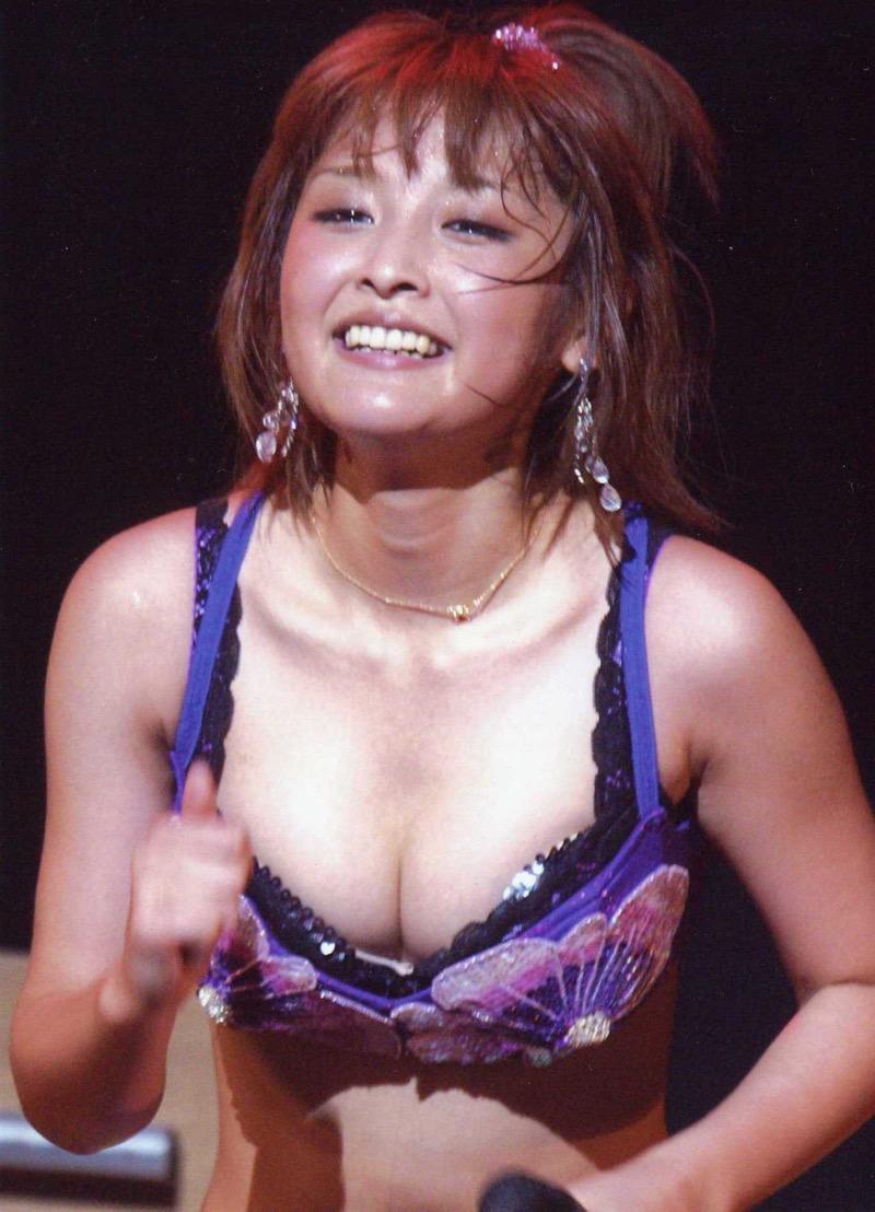【モーニング娘。お宝画像】ステージやバラエティで大股を開いちゃったアイドル達のエロショット! 49