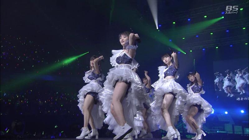 【モーニング娘。お宝画像】ステージやバラエティで大股を開いちゃったアイドル達のエロショット! 76
