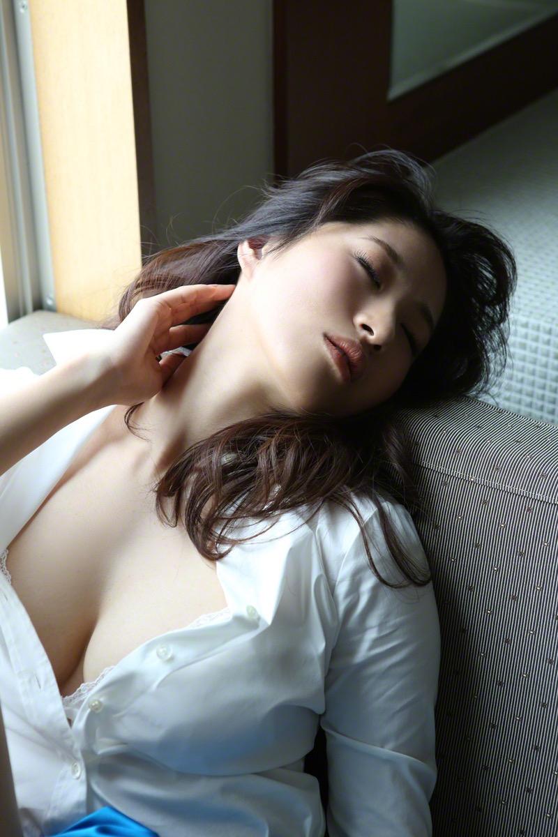 【染谷有香グラビア画像】処女である事を公言してしまったGカップ巨乳のグラビアアイドルwwww 23