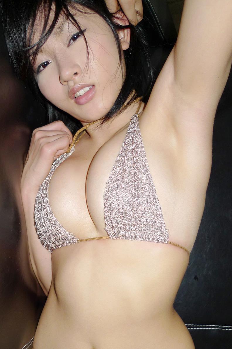 【多田あさみグラビア画像】Fカップ美女が開脚しまくってるんだけどマンコを見て欲しいのかなwwww 18