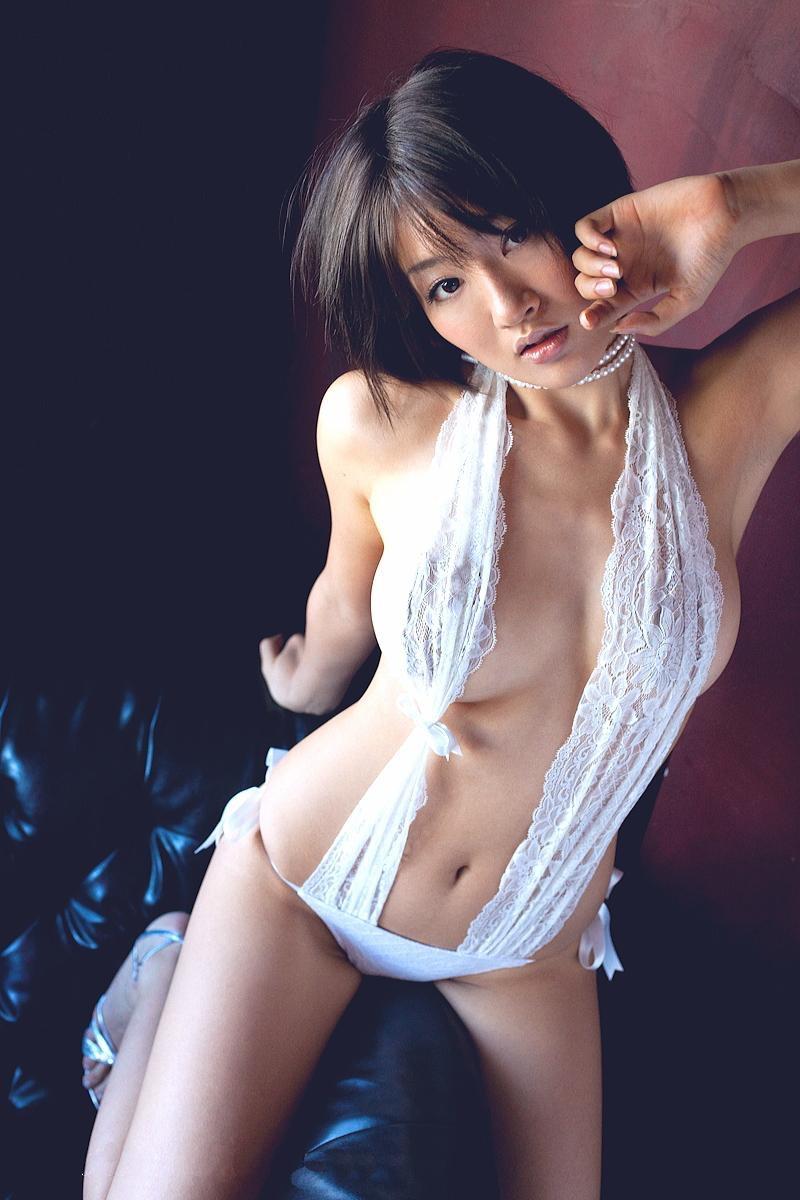 【多田あさみグラビア画像】Fカップ美女が開脚しまくってるんだけどマンコを見て欲しいのかなwwww 32