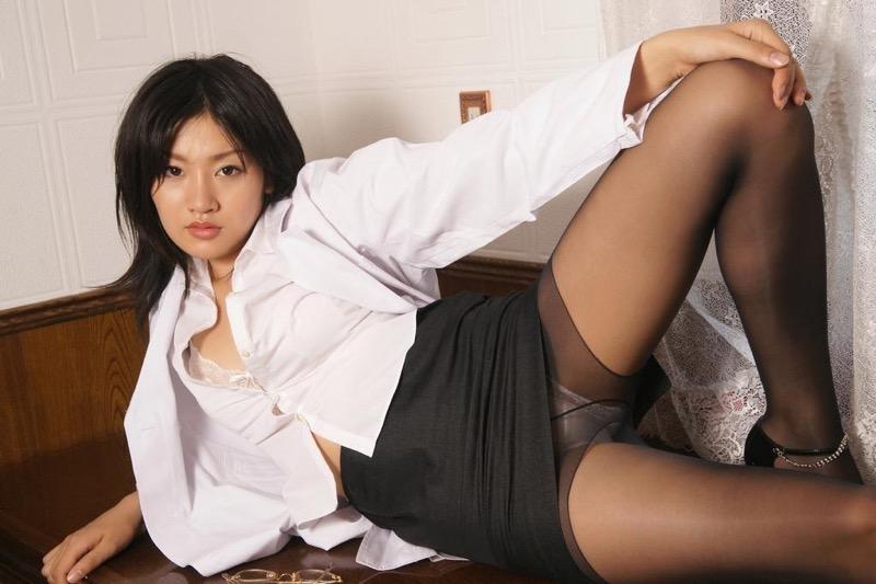 【多田あさみグラビア画像】Fカップ美女が開脚しまくってるんだけどマンコを見て欲しいのかなwwww 65