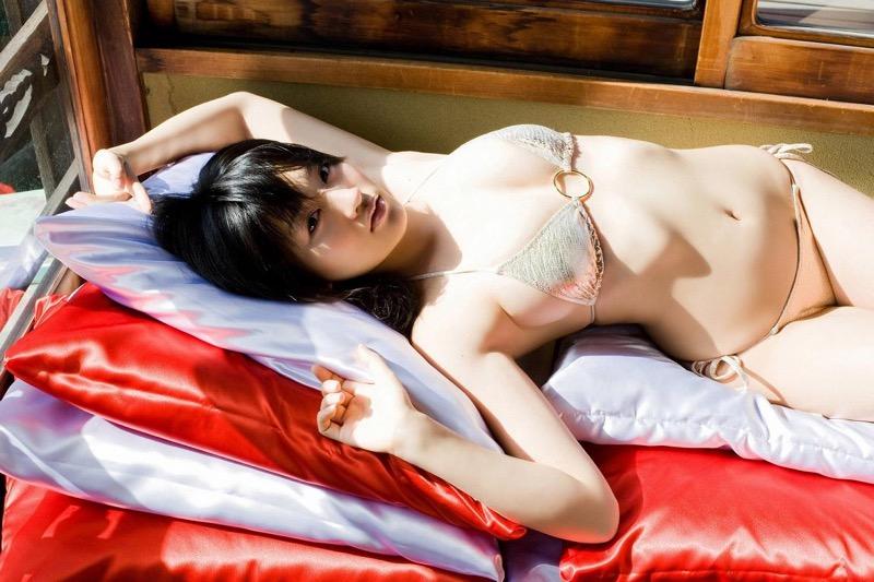 【多田あさみグラビア画像】Fカップ美女が開脚しまくってるんだけどマンコを見て欲しいのかなwwww 71