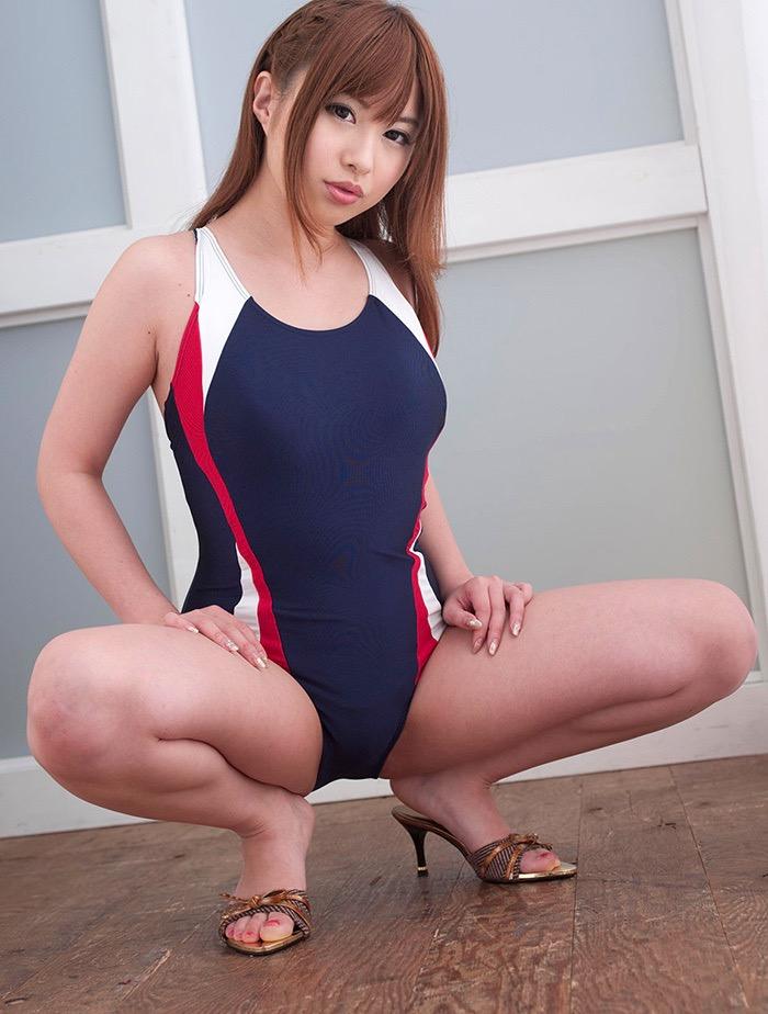 【競泳水着エロ画像】ボディラインがハッキリ分かる競技用とは思えないエロさ全開なハイレグ水着 08