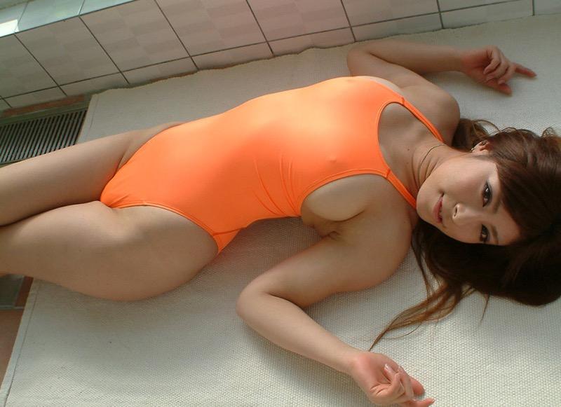【競泳水着エロ画像】ボディラインがハッキリ分かる競技用とは思えないエロさ全開なハイレグ水着 99