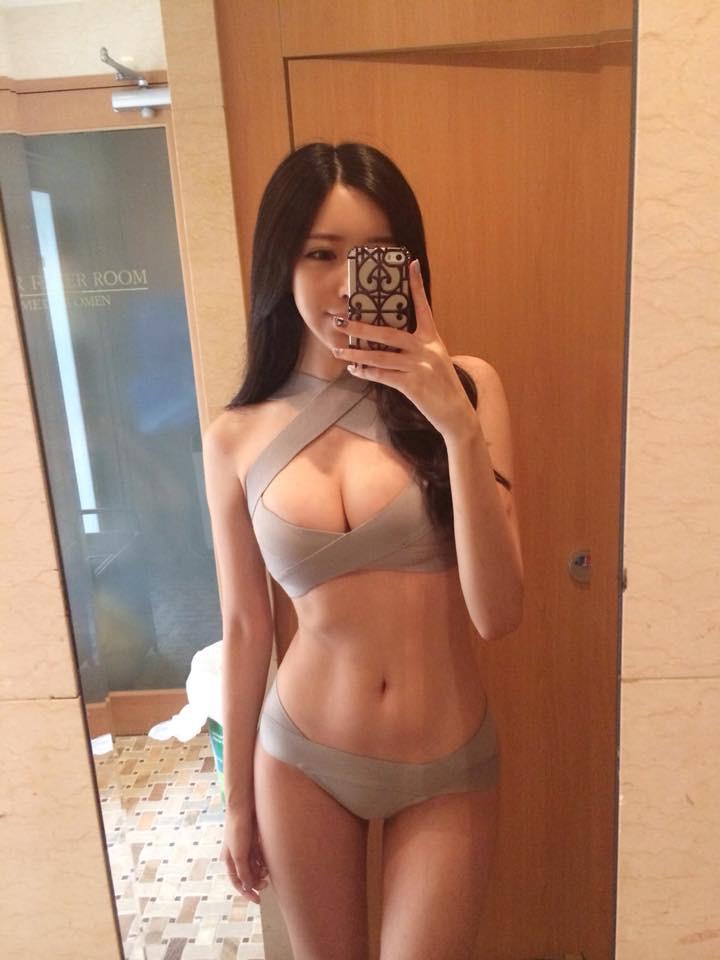 【腹筋エロ画像】セクシーな美女達の鍛え上げられた美しい腹筋がエロ過ぎてチンコ勃ったわwwww 37