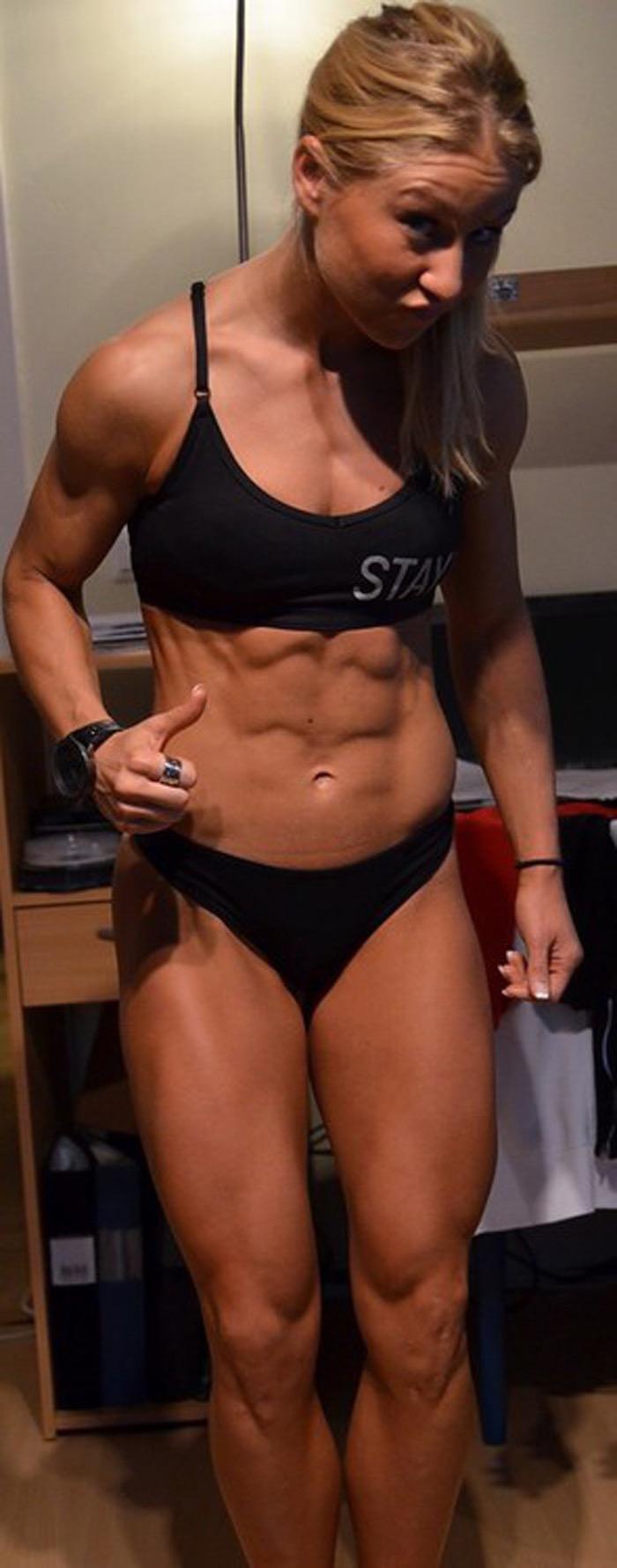 【腹筋エロ画像】セクシーな美女達の鍛え上げられた美しい腹筋がエロ過ぎてチンコ勃ったわwwww 59